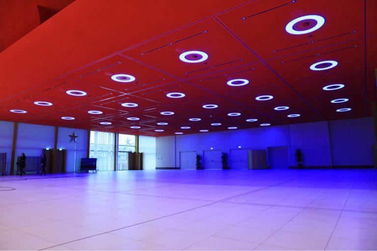 LED RING Einbauleuchten mit multicolor LED grossen Saal des Casino 2000 Luxemburg