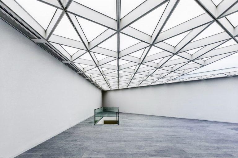 LED SHUTTLE Lichtdecken mit Spanntuch im Centre Charlemagne Aachen - Museum Katchhof