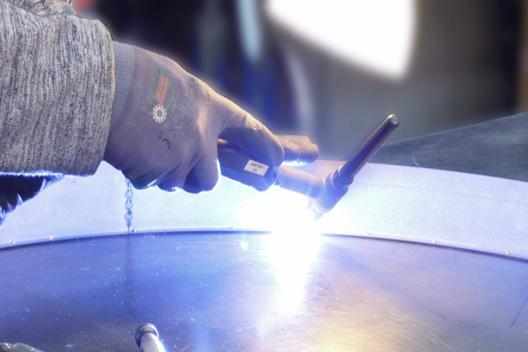 ENDLIGHT Lichtobjekte GmbH - Leistungen - Produktion von Sonderleuchten
