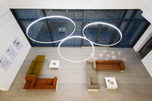 ENDLIGHT Lichtobjekte GmbH - Icon Produktgruppe LED LOOP Pendelleuchte