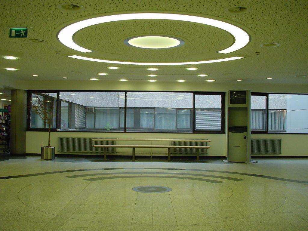 LED Round&Round multicolor Deckenleuchten - Klinikum Holweide 01