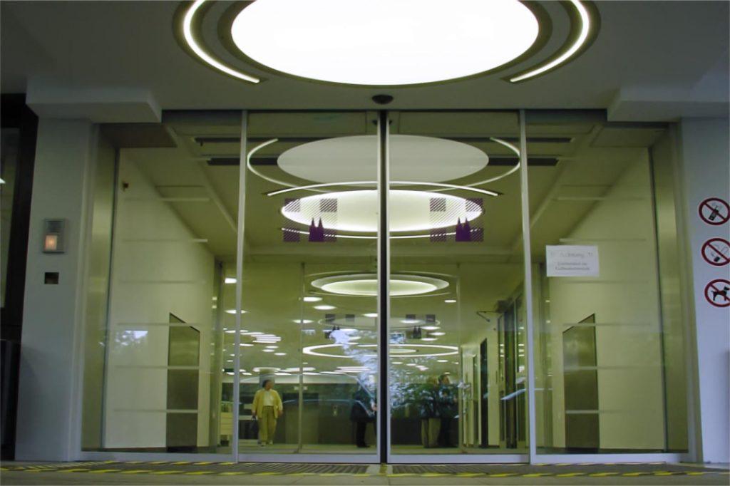 LED Round&Round multicolor Deckenleuchten - Klinikum Holweide 08